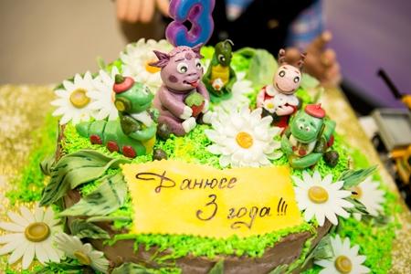 Как осуществить праздник для ребенка и необходимо ли звать актеров?